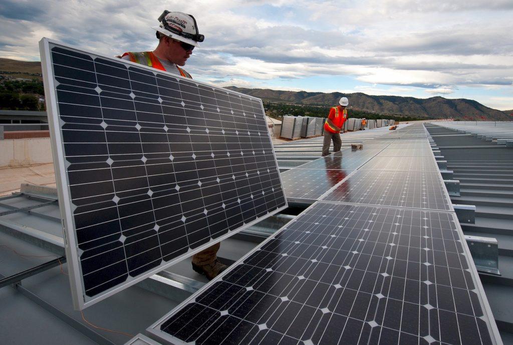 Le rinnovabili danno lavoro. Non in Europa